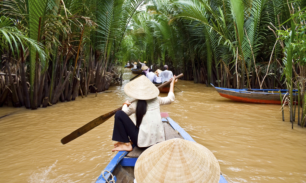 -boat-on-mekong-river-vietnam 6
