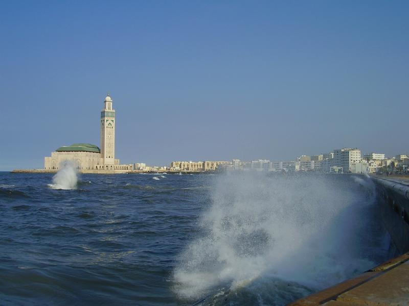 view-to-mosque-khasan-ii-from-boulevard-de-la-corniche 2832561_m